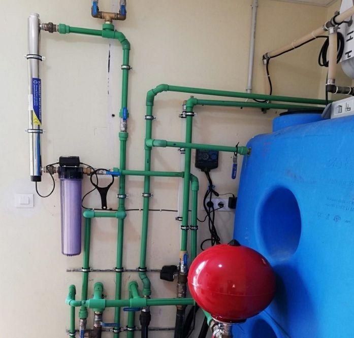 Instalación de esterilizador de agua por ultravioletas